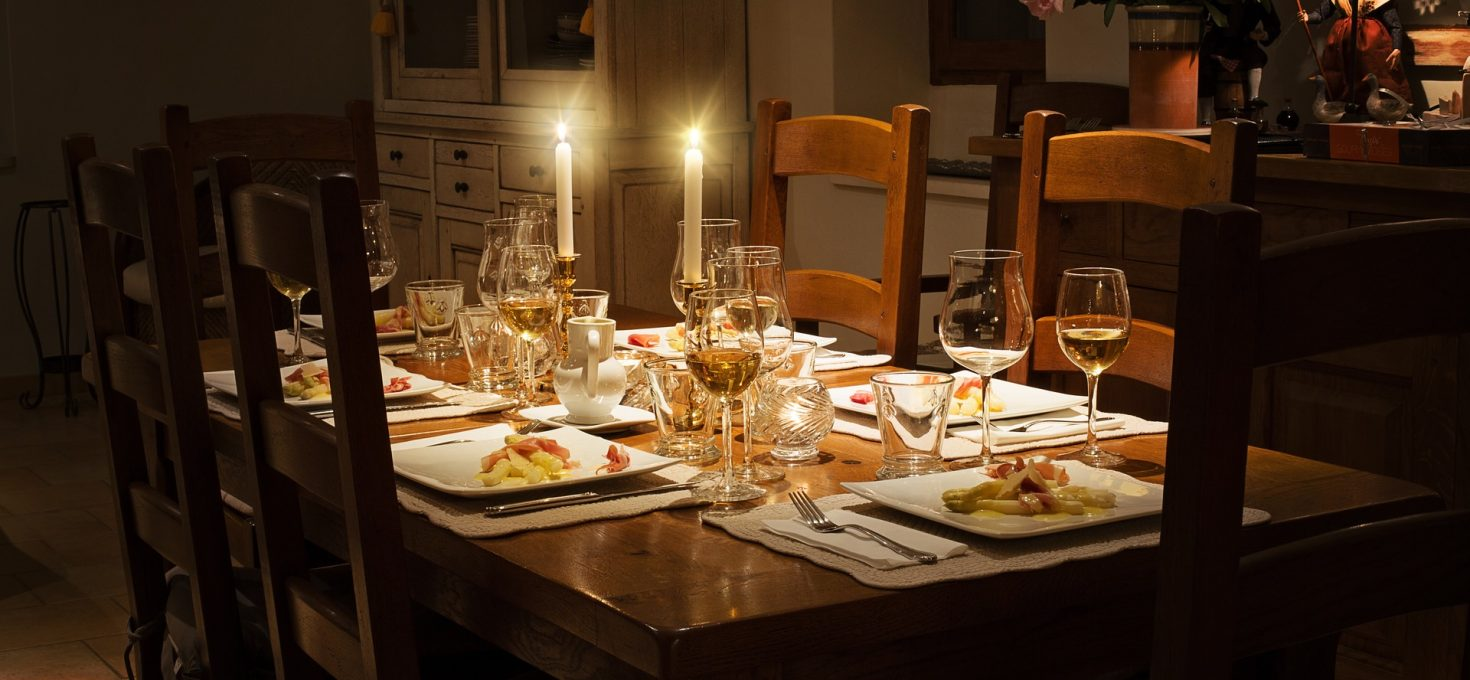 5 Best Melamine Dinnerware Set under $50 Review