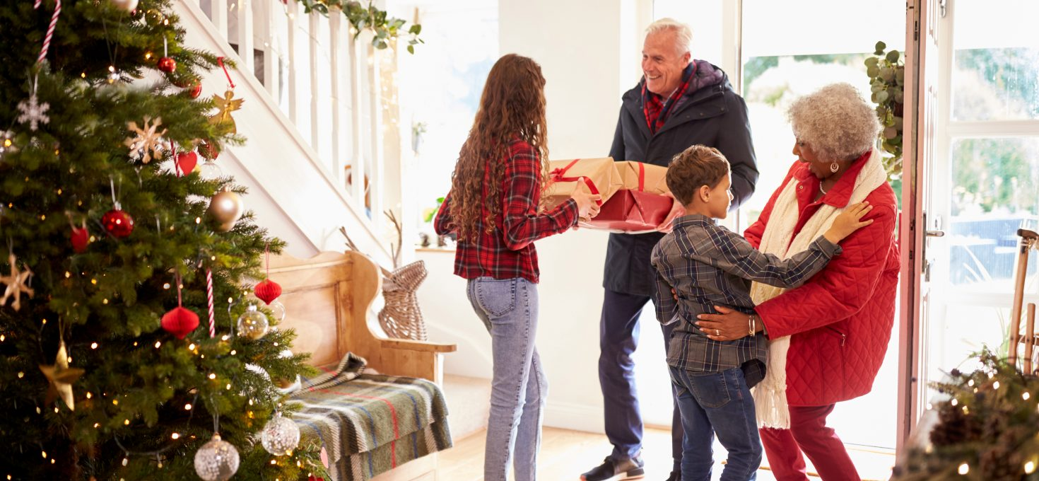 8 Purposeful and Enjoyable Family Traditions for Christmas 2021